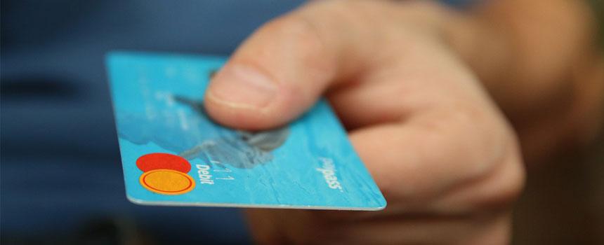 Carte bancaire et paiement sans contact à l'étranger